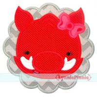 Hog Girl Scallop Applique 4x4 5x7 6x10 7x11 SVG