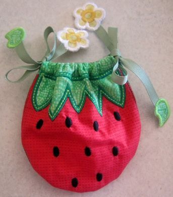In The Hoop Strawberry Bag 4x4 5x7 6x10