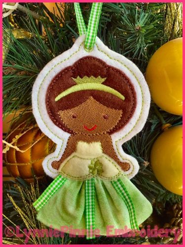 In the Hoop 3D Skirt Princess Christmas Ornament 3 4x4